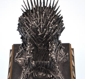 The Iron Throne - The Game of Thrones Replica Thumbnail 2