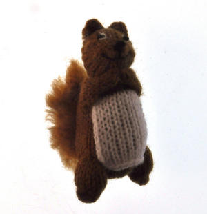 Squirrel - Handmade Finger Puppet from Peru Thumbnail 2