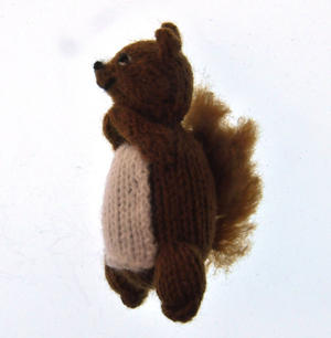 Squirrel - Handmade Finger Puppet from Peru Thumbnail 3