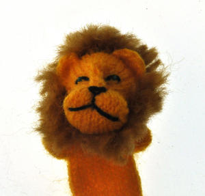 Lion - Handmade Finger Puppet from Peru Thumbnail 2