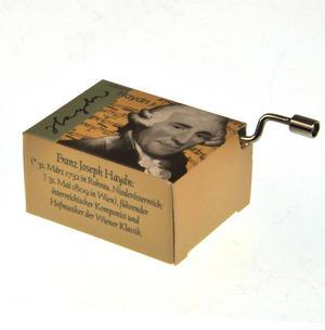 Joseph Haydn - Serenade Music Box Thumbnail 2