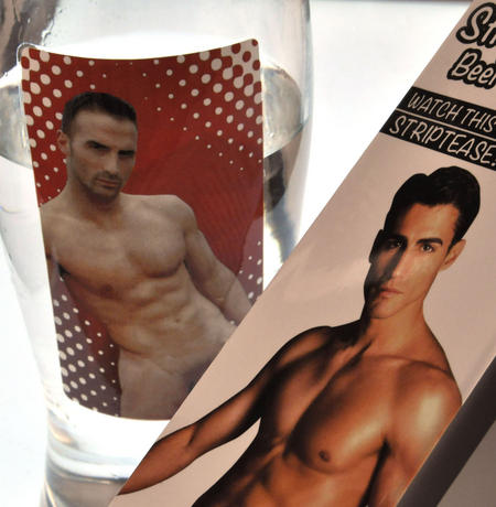 Man Stripper Beer Glass - Cold Drink Condensation Striptease (Fully Nude!) - Random Designs