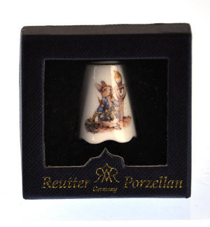 Beatrix Potter Peter Rabbit Porcelain Thimble Thumbnail 3