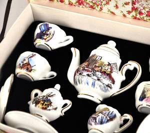 Alice in Wonderland Porcelain Tea Set and Rose Basket Hamper Thumbnail 6