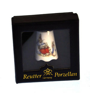 Beatrix Potter Mrs Josephine Rabbit with Flopsy, Mopsy and Cotton-tail Porcelain Thimble Thumbnail 3