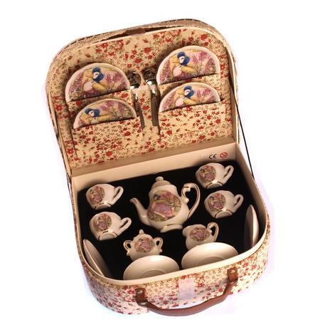 Jemima Puddleduck Porcelain Tea Set and Rose Basket Hamper
