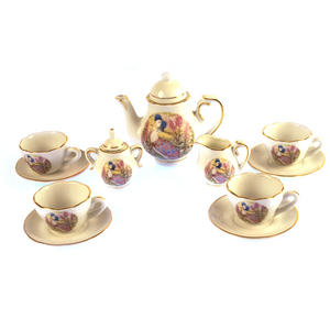 Jemima Puddleduck Porcelain Tea Set and Rose Basket Hamper Thumbnail 4