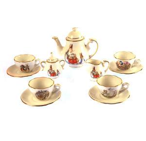 Beatrix Potter Peter Rabbit & Jemima Puddleduck Porcelain Tea Set and Hamper Thumbnail 4
