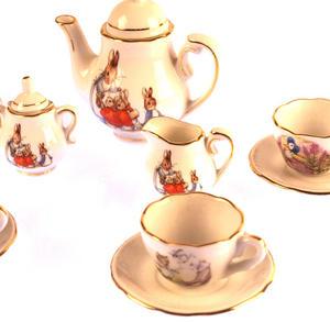 Beatrix Potter Peter Rabbit & Jemima Puddleduck Porcelain Tea Set and Hamper Thumbnail 2