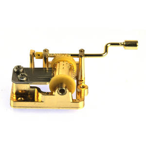 I Have a Little Dreidel - The Yiddish Dreidel Song - Handcrank Music Box Thumbnail 4