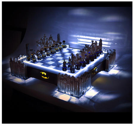 Special Collectors Edition - Batman Pewter Chess Set - LED Gotham Cityscape & Bat Signal Projection