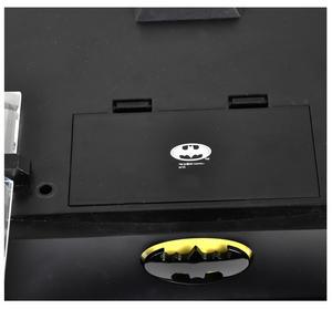 Special Collectors Edition - Batman Pewter Chess Set - LED Gotham Cityscape & Bat Signal Projection Thumbnail 6