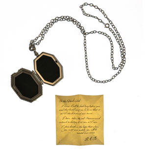 Harry Potter Replica Faux Horcrux Locket of Regulus Black with Display Case Thumbnail 3