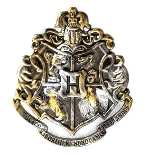 Harry Potter Replica Hogworts Badge / Brooch / Shield / Coat of Arms Gun Metal Pin Thumbnail 1