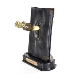 Harry Potter Replica Basilisk Fang and Tom Riddles Diary Noble Collection Thumbnail 7