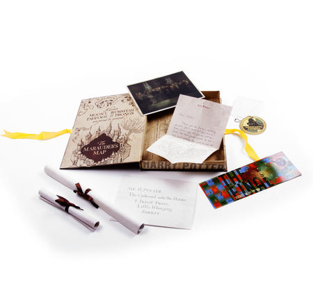 Harry Potter Film Artefact Box - A Trove of Replica Harry Potter Documents and Keepsakes