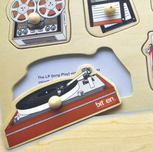 Retro Technology Wooden Peg Puzzle - Record Player, Reel to Reel, Cassette, Typewriter, Floppy Disc etc Thumbnail 3