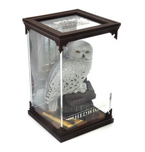 Hedwig - Harry Potter Magical Creatures by Noble Collection Thumbnail 1