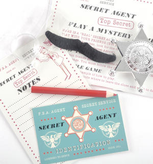 Secret Agent Detective Kit - Top Secret Retro Spy Detective Set Thumbnail 2