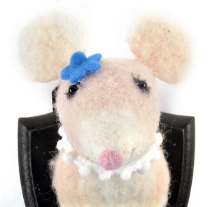Lady Mouse Trophy Wall Plaque Thumbnail 2