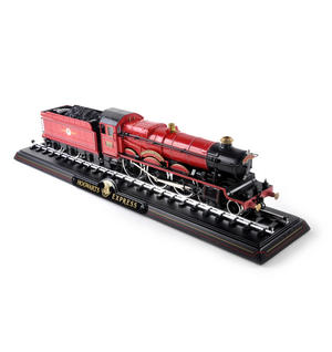 Harry Potter Hogwarts Express Die Cast Train Model and Base Thumbnail 1