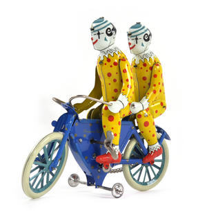 The Two Tin Tandem Clowns  - Classic Clockwork Collector's Toy Thumbnail 4