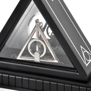 Xenophilius Lovegood Necklace and Display Case  - Harry Potter Replica by Noble Collection Thumbnail 2