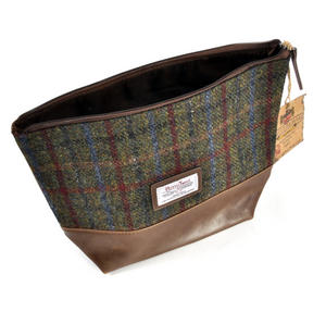 Harris Tweed Washbag Thumbnail 1