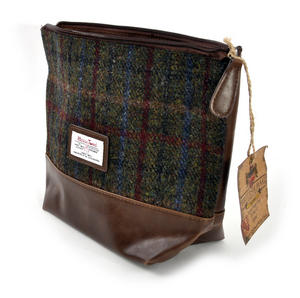 Harris Tweed Washbag Thumbnail 2