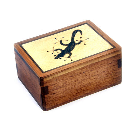Lizard Secret Marquetry Stash Box with Invisible Opening System 8 x 6 cm