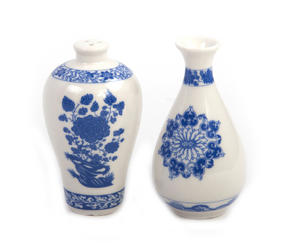 Ming Dynasty Salt & Pepper Shakers Thumbnail 1