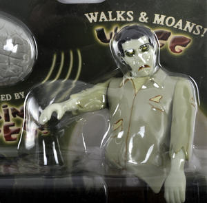 Remote Control Zombie - Walking & Moaning Controlled by RC Brain Thumbnail 2