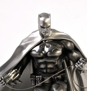 Batman Ltd Edition Sculpture by Royal Selangor Thumbnail 5