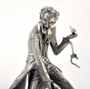 Joker Batman Sculpture by Royal Selangor Thumbnail 4