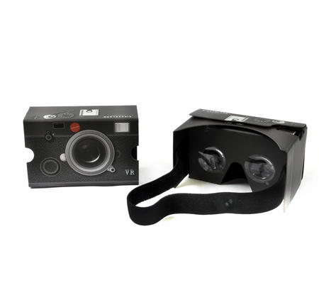 Retro Camera Virtual Reality Glasses - Smartphone VR Strap-on