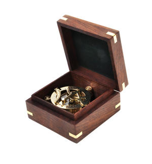 Equinoctial Sun Dial Compass in Wooden Box Thumbnail 8