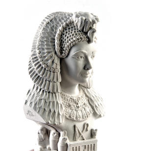Cleopatra Statuette - Famous Faces Collection Plaster Bust Thumbnail 1