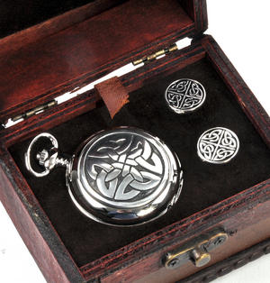 Celtic Quartered Knot - Treasure Chest Pocket Watch and Cufflinks Gift Set Thumbnail 2