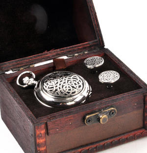 Never Ending Celtic Knot - Treasure Chest Pocket Watch and Cufflinks Gift Set Thumbnail 2