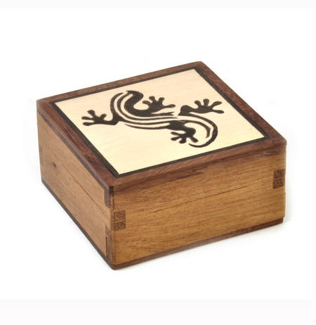 Lizard Secret Marquetry Stash Box with Invisible Opening System 8 x 8 cm