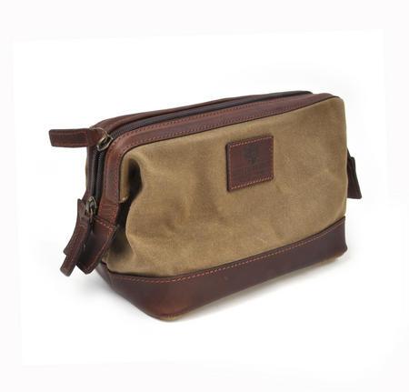 Camel Tough Wax Canvas Traditional Metal Frame Zipper Washbag / Shaving Case