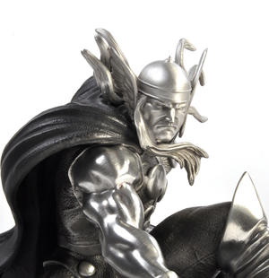 Thor - Marvel Limited Edition Figurine / Sculpture by Royal Selangor Thumbnail 4
