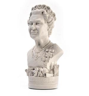Queen Elizabeth ll Statuette - Famous Faces Collection Plaster Bust Thumbnail 2