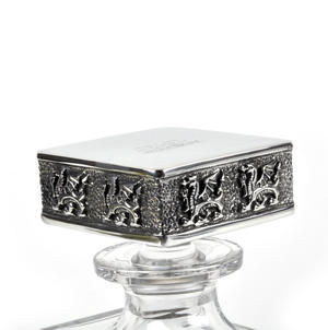 Welsh Dragon Decanter in Heavy Solid Pewter and Lead Crystal in Presentation Box Thumbnail 3
