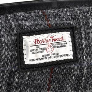 Berneray Grey Harris Tweed Traditional Metal Frame Zipper Washbag / Shaving Case Thumbnail 2