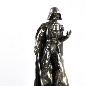 Sidious and Vader - King and Queen Star Wars Chess Pieces by Royal Selangor Thumbnail 5