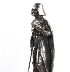 Sidious and Vader - King and Queen Star Wars Chess Pieces by Royal Selangor Thumbnail 6