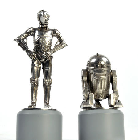 R2-D2 and C-3PO - Knight Star Wars Chess Pieces by Royal Selangor
