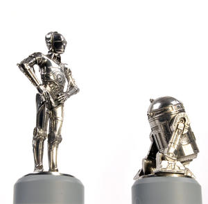 R2-D2 and C-3PO - Knight Star Wars Chess Pieces by Royal Selangor Thumbnail 2