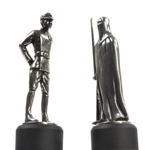 Imperial Officer and Royal Guard - Bishop and Knight Star Wars Chess Pieces by Royal Selangor Thumbnail 4